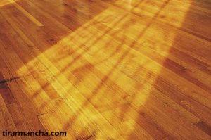 Como tirar mancha de iodo da madeira