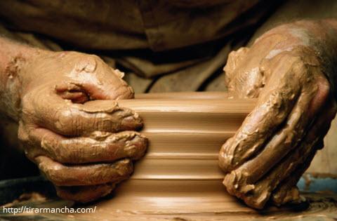 Tirar mancha de argila do carpete