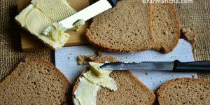 Tirar mancha de manteiga do sofá, estofado